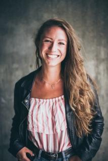 Veronika Loy - Vocals